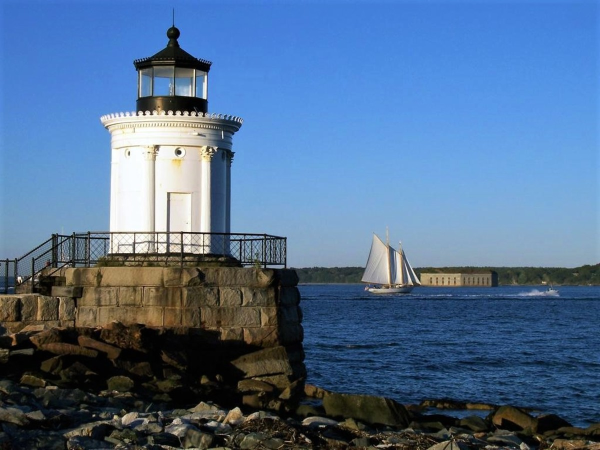 This tiny light that guards the Portland Harbor is called Bug Light. It is easily accessible by land. photo by author