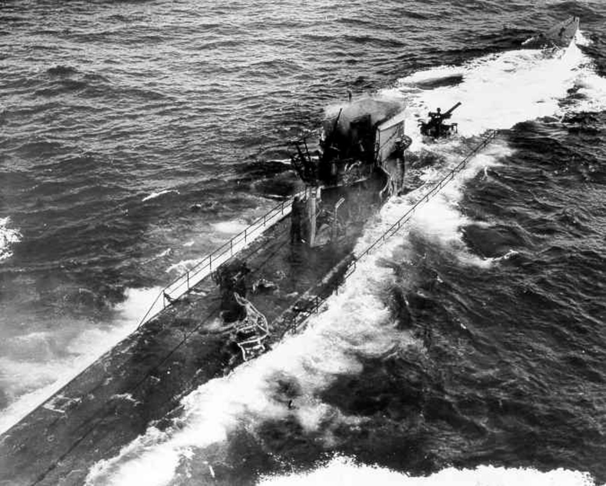 A U-boat in trouble: The sinking of U-175.