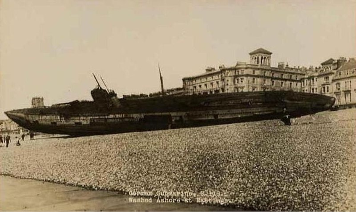 WWI: U-118 washed ashore at Hastings, Kent.
