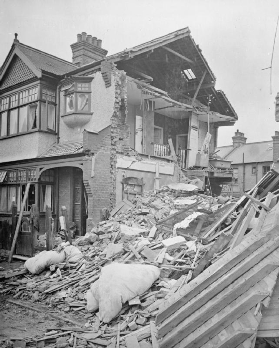 World War One: Damage to homes in Baytree Road in Brixton, London, following a raid by 12 German naval airships on the night of 23 - 24 September 1916.