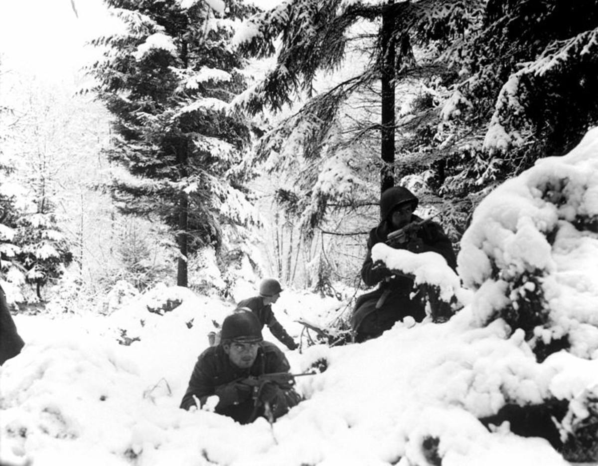 WW2: Battle of the Bulge. American soldiers.
