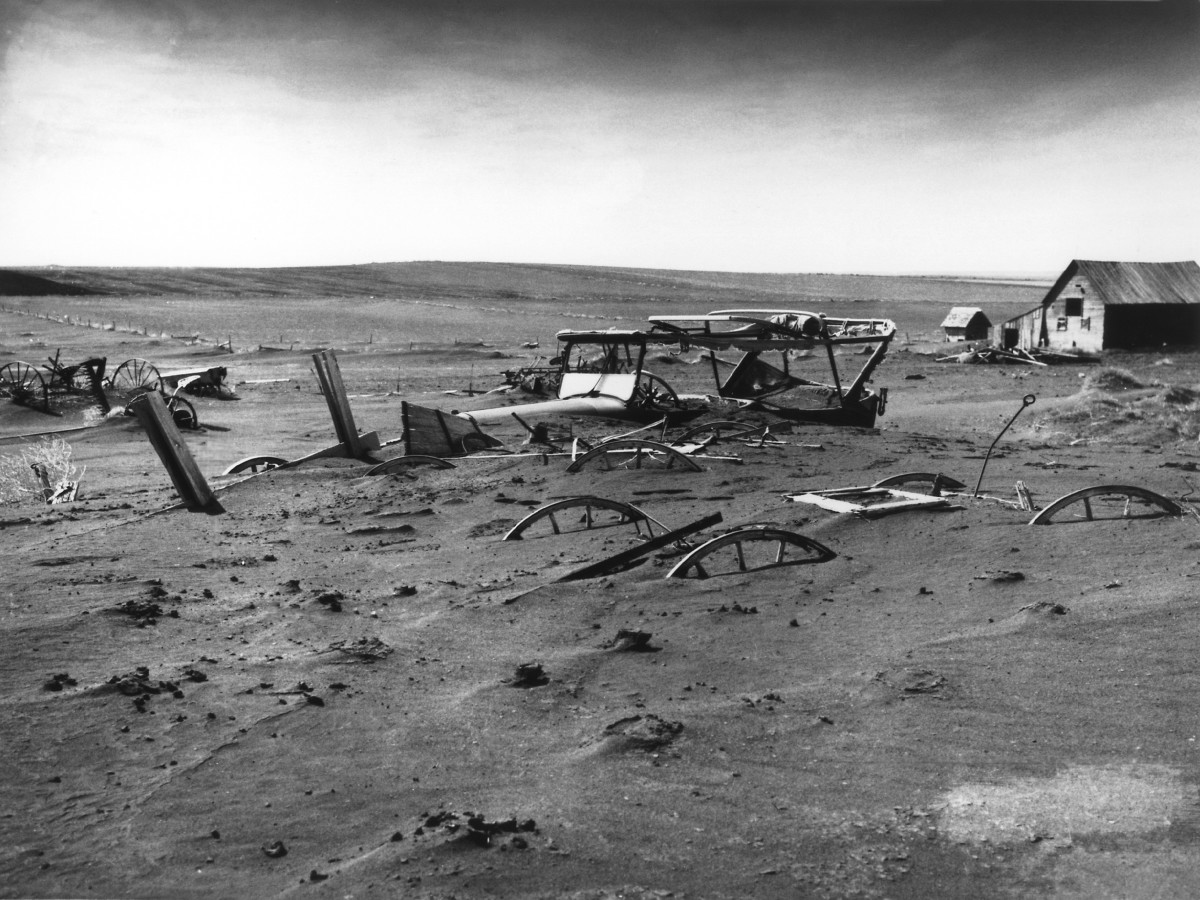 In the 1930s vast amounts of America's richest topsoil blew away as dust. It floated clouds all the way to Chicago & New York and out to the Atlantic ocean. This topsoil, built up over centuries, was lost in just a few years due to poor conservation.