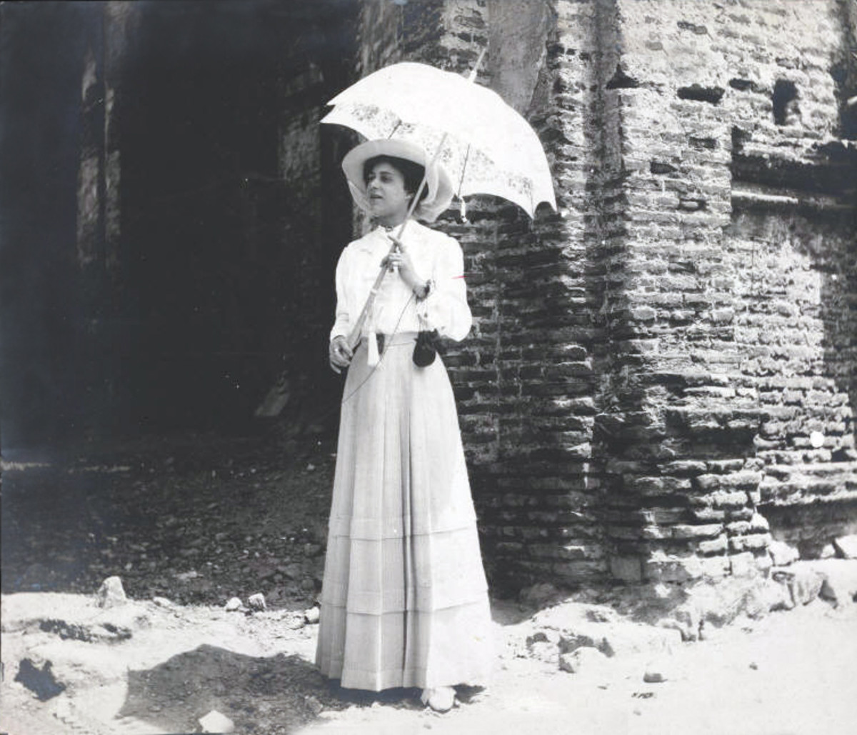 Grace Nail Johnson (Mrs. James Weldon Johnson), bridal photo in Panama 1910.