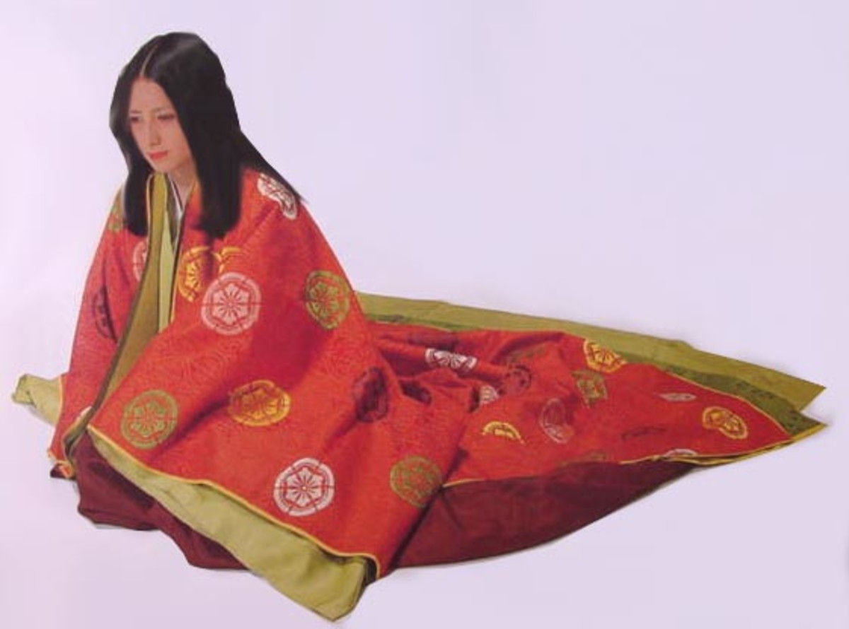 A samurai lady's dress. Though they were not members of the traditional aristocracy, ladies of the samurai class were well-educated and had a thorough knowledge of courtly refinement.