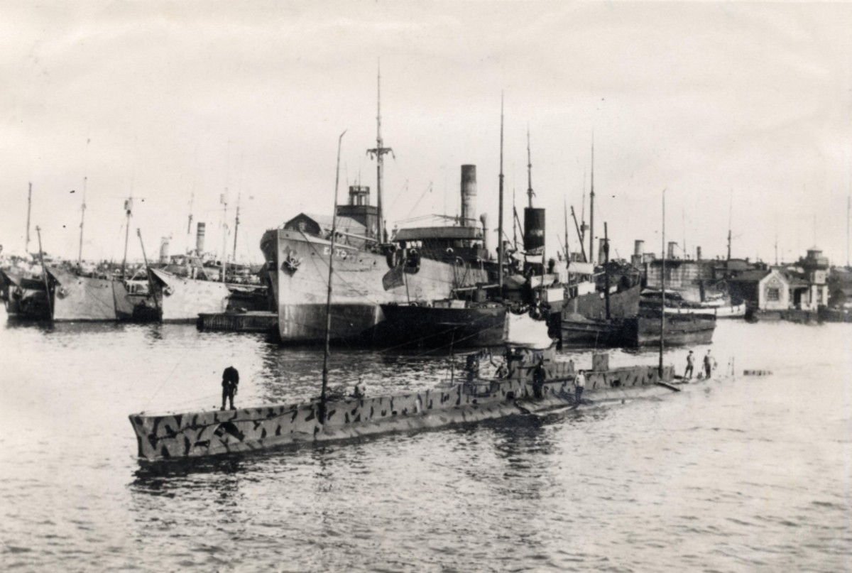 World War 1: HMS E-18 leaving Reval (now Tallinn, Estonia) on her last mission on May 25, 1916. She was lost off the coast of Estonia, probably to a mine, in early June.