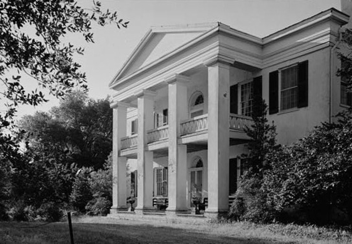 Sarty had never seen a nice plantation house like this one.