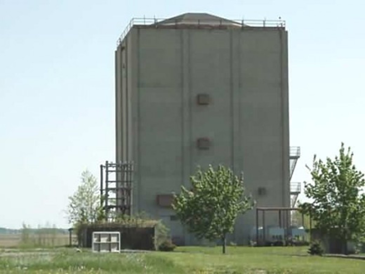 The FPS-24 radar tower building at Port Austin, MI as it looked in 2001, after base closing in 1988.