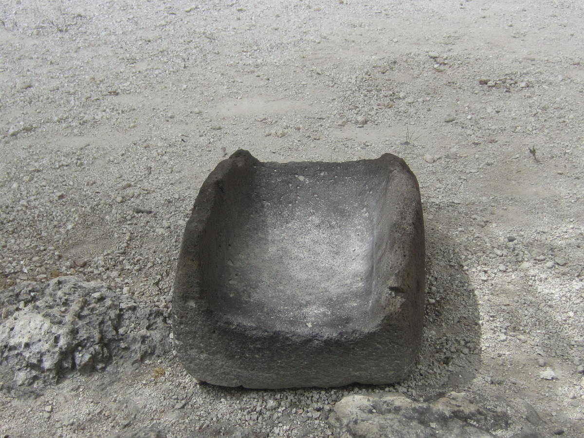 Stone utensil used by Sinagua to grind corn.