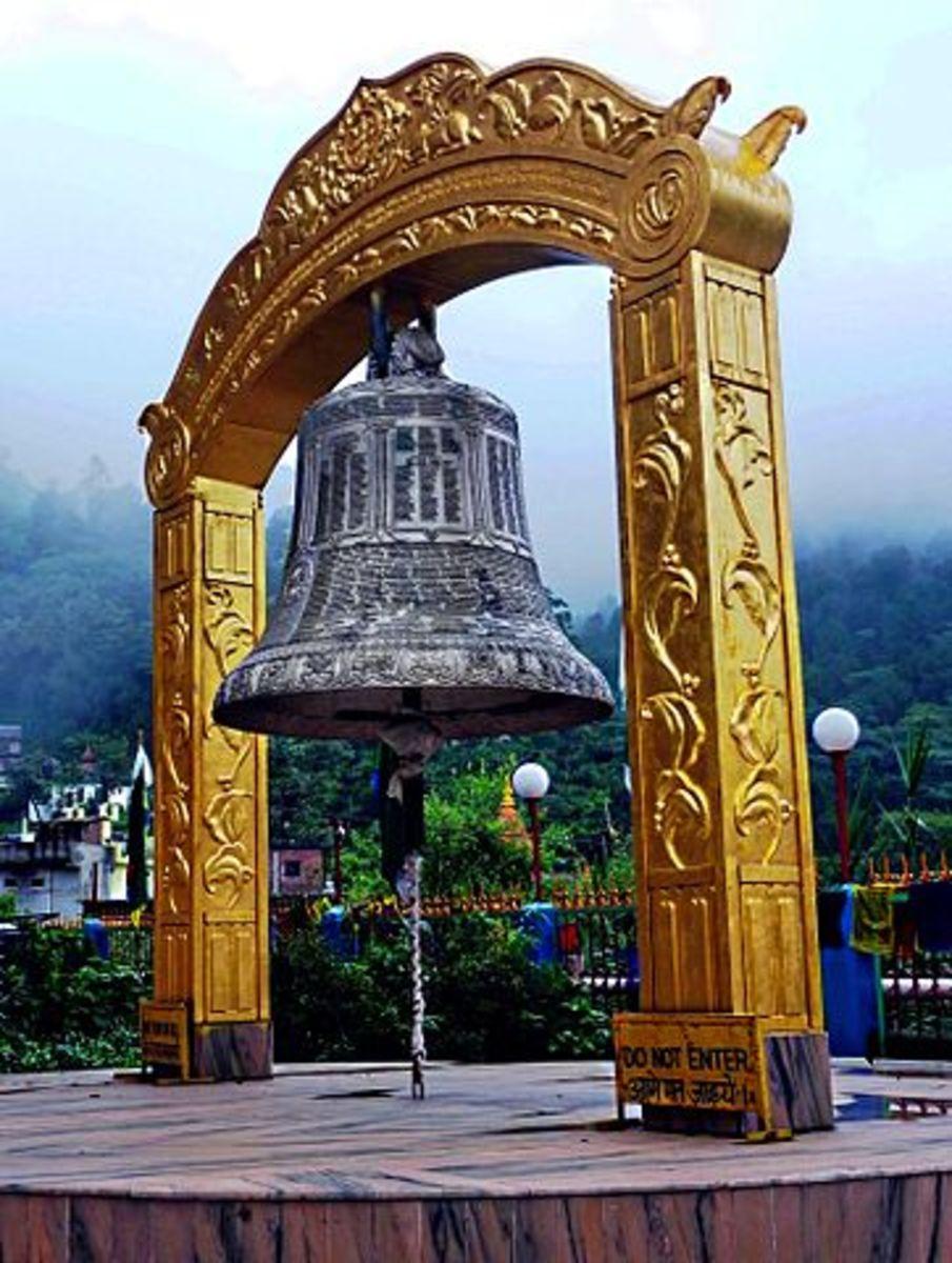 Bhuddist Bell, Rewalsar, India