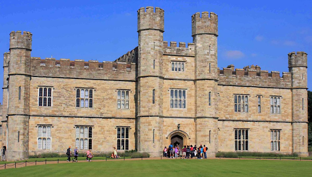 The 19th century 'New Castle' through which visitors exit after touring the rooms