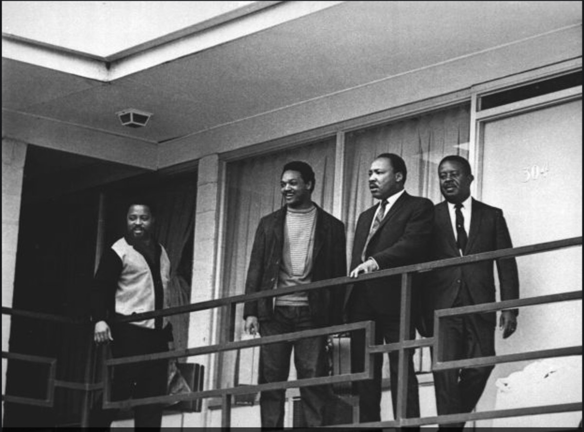 Dr. Martin Luther King Jr. stands with other civil rights leaders on the balcony of the Lorraine Motel in Memphis, Tennessee, on April 3, 1968.  From left are Hosea Williams, Jesse Jackson, King, and Ralph Abernathy.