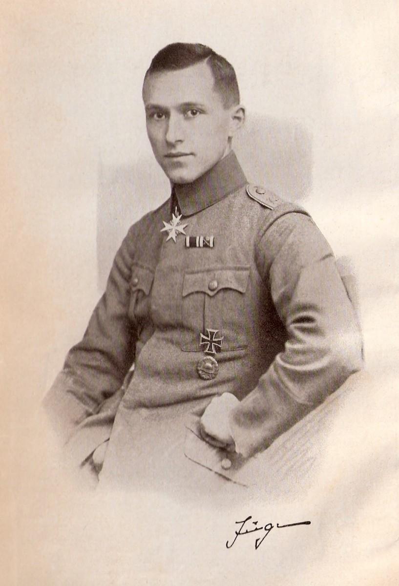 Ernst Junger postwar in 1922.