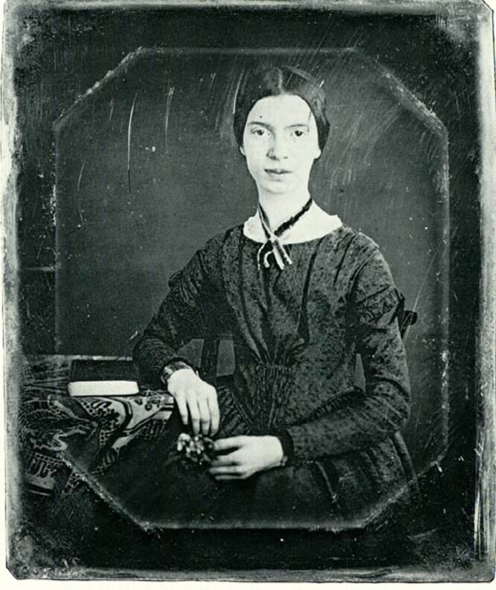 Unretouched daguerrotype of Dickinson at age 17
