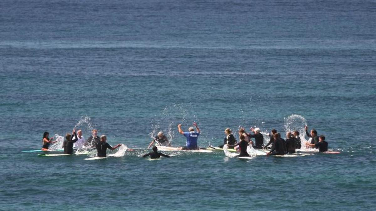 A Windansea Paddle Out