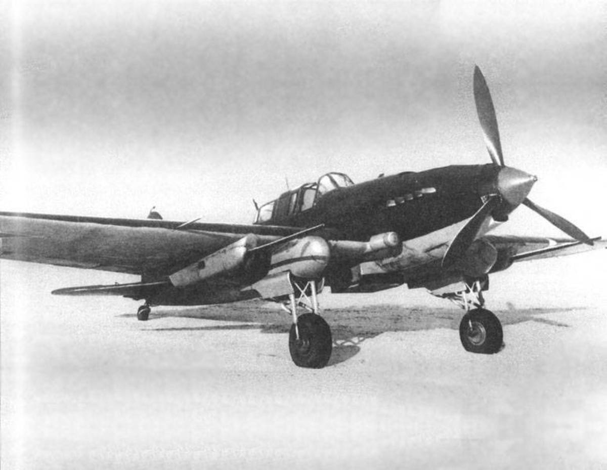 The Ilyushin Il-2m with 37mm cannons under each wing was a tank killer during the Battle of Kursk in July 1943 it was said Il-2s destroyed 70 tanks of the 9th Panzer division in 20 minutes.