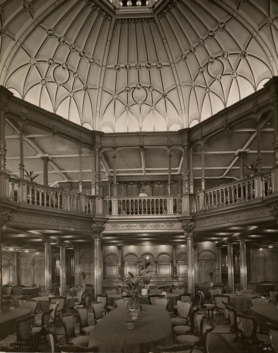 The RMS Mauretania's crowning feature, its domed first class dining saloon.