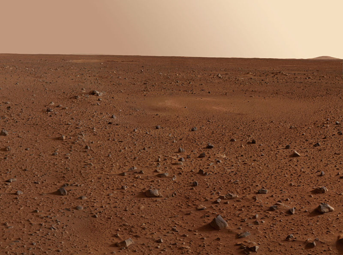 Desert view photo from Mars Exploration Rover Spirit.