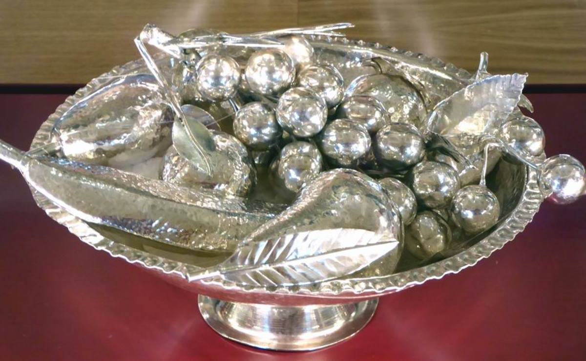 Silver Bowl of Fruit. Image by Frances Spiegel with permission from the Royal Collection Trust. All rights reserved.
