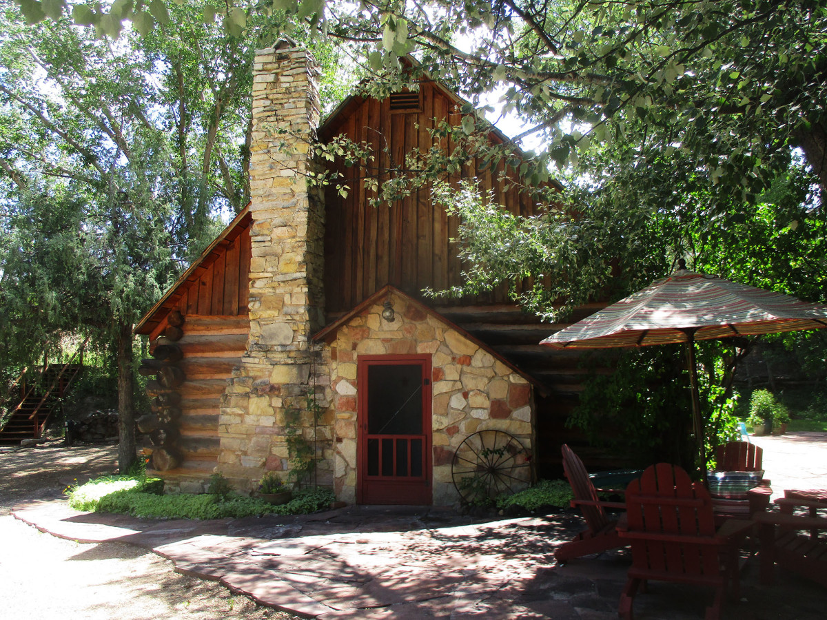 After experiencing financial success Maynard Dixon built himself a summer home in Mount Carmel, Utah, photo by author