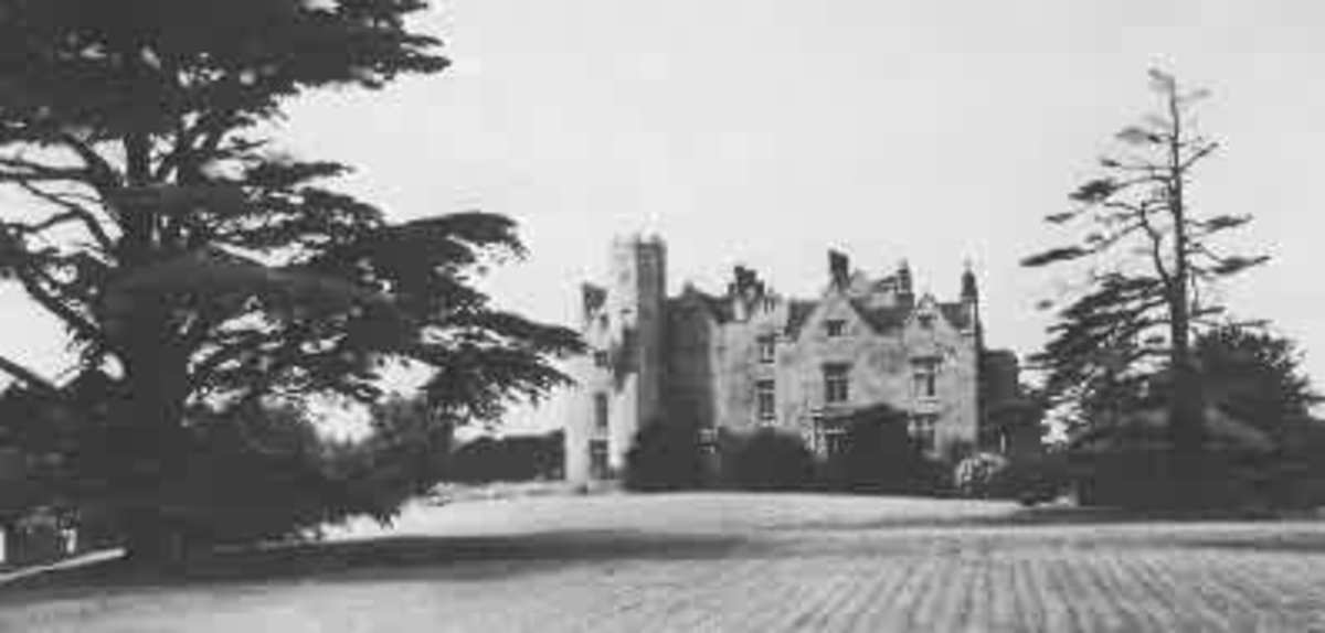 The grand residence of the Worralls.