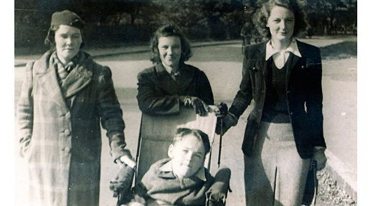 Christy Brown with mother on left, sister in the middle and Katroina Delahunt on the right