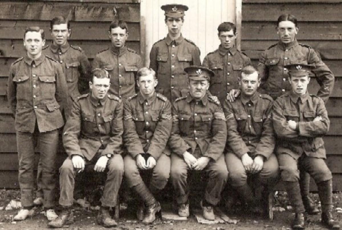 Soldiers in First World War uniform