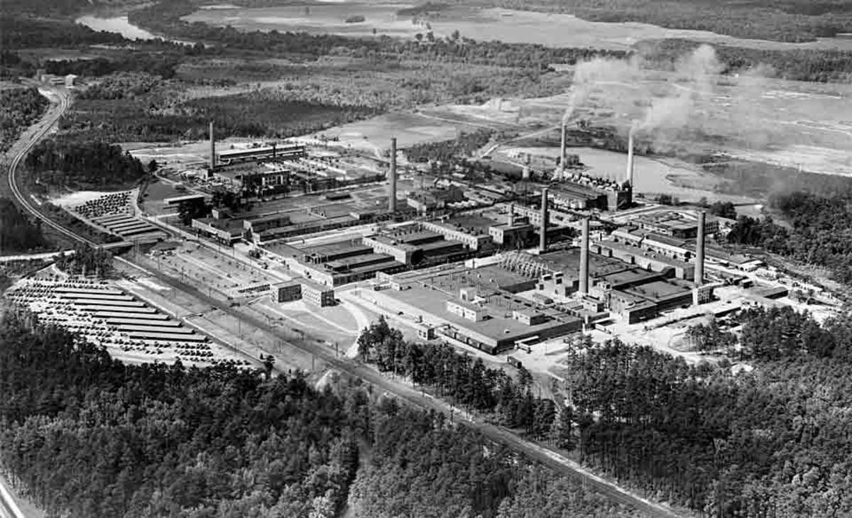 The DuPont rayon plant in Richmond in the 1930's.