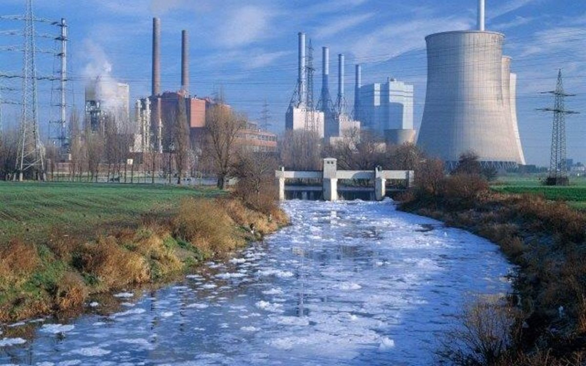 synthetic-fibers-the-manufacturing-process-and-risks-to-human-and-environment