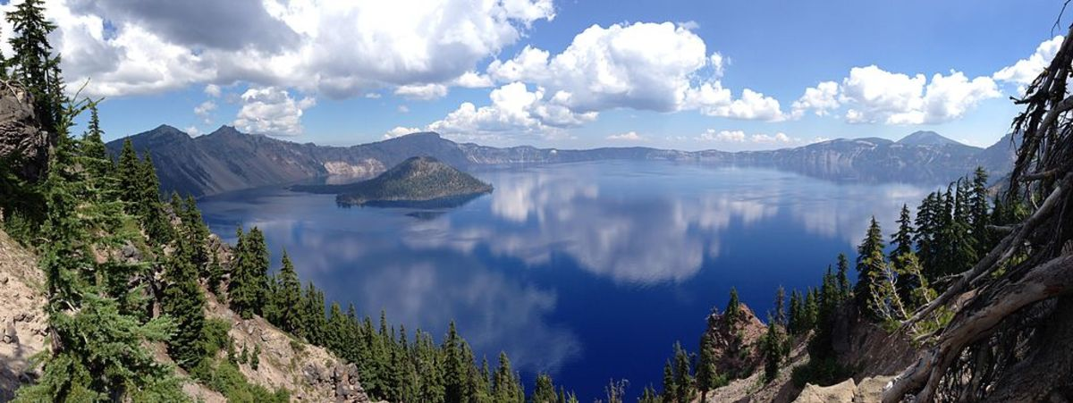 Though not a supervolcano, Crater Lake NP in the Oregon is a good example of a caldera that filled up with water