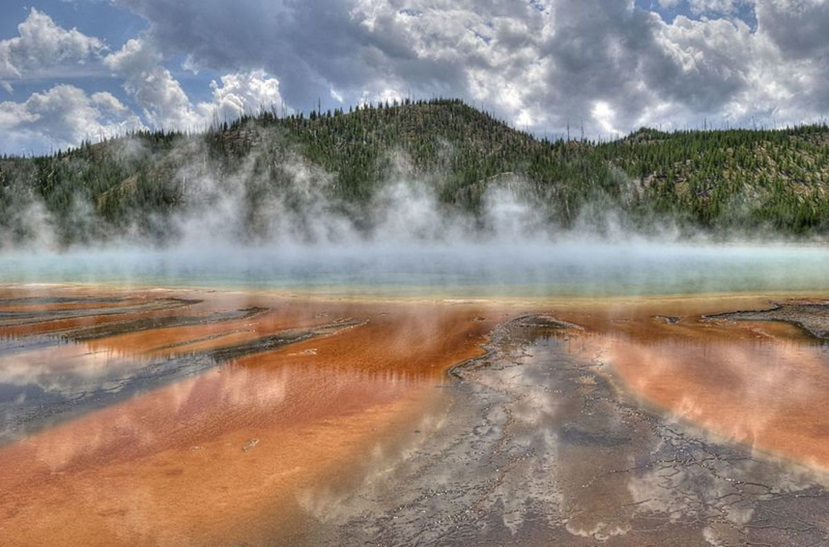 The Grand Prismatic Spring shows that Yellowstone NP is presently a geothermal hotspot