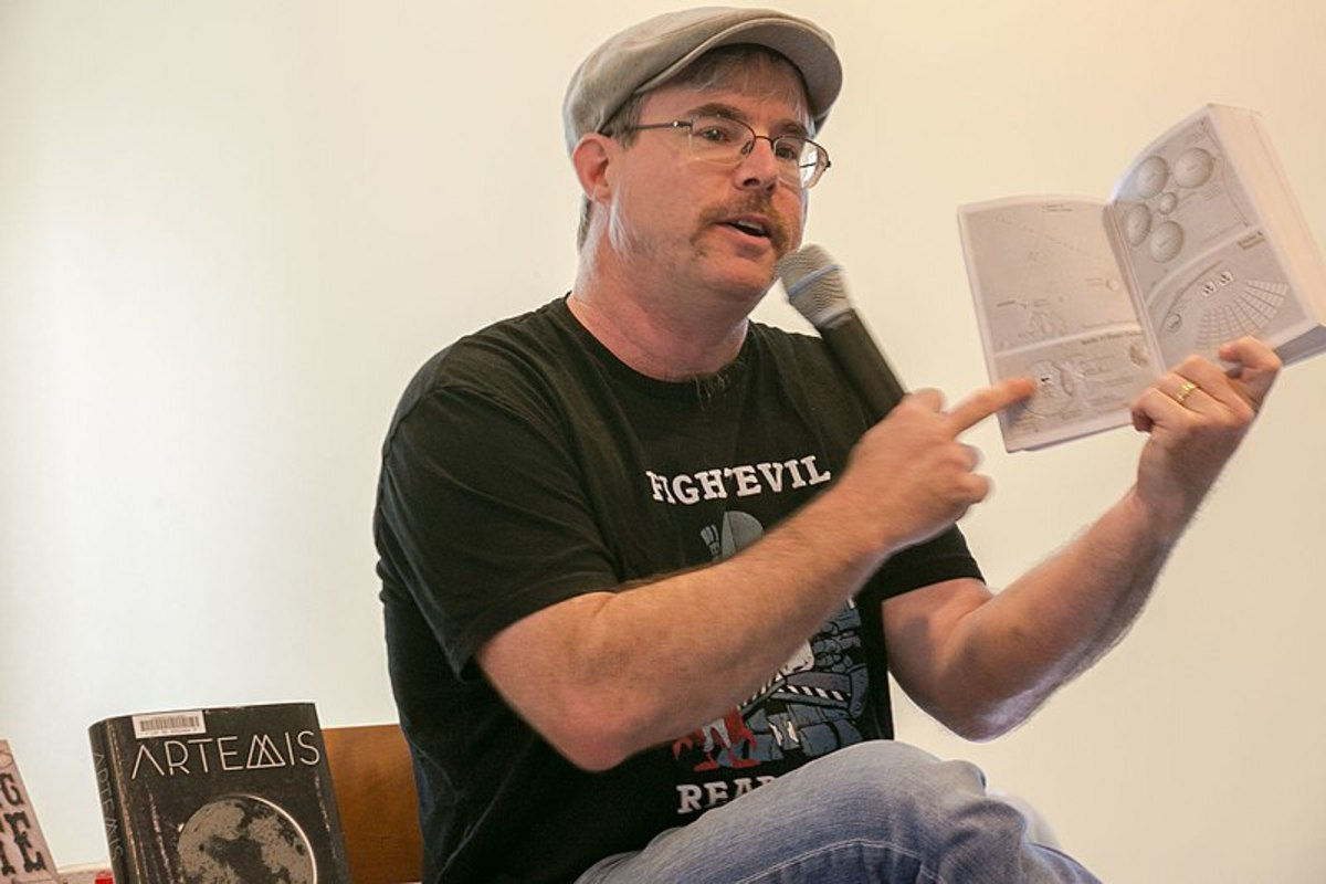 Smart  and funny neckbeard Andy Weir promotes his latest book in Livermore, California