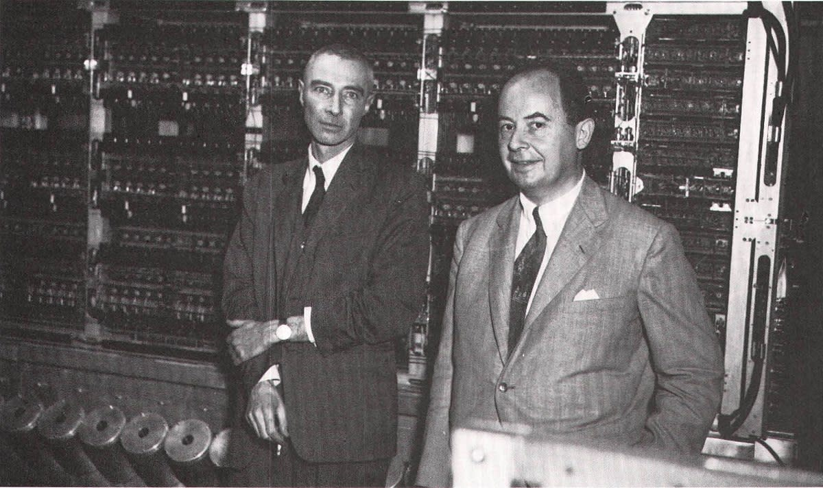 J. Robert Oppenheimer (left) and John von Neumann at the October 1952 dedication of the computer built for the Institute for Advanced Study.