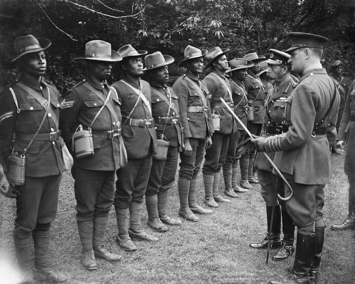 King George V inspects South African labourers in July 1917.