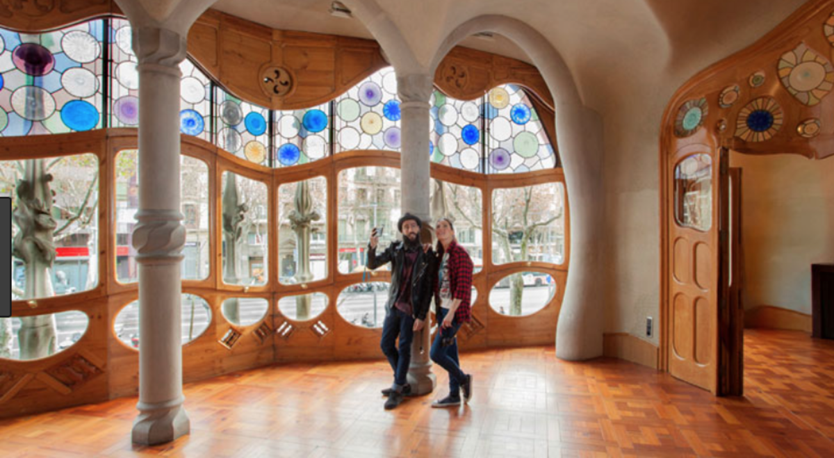 Inside La Casa Battló.
