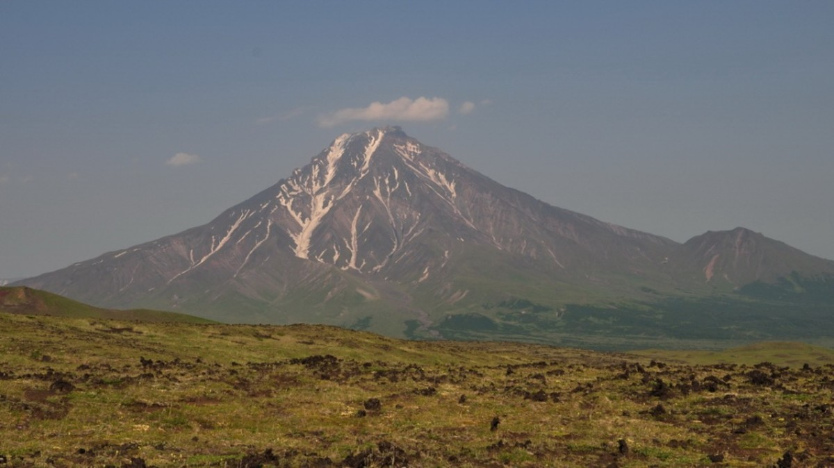 The Udina Bolshaya volcano in Eastern Russia has suddenly become active again.