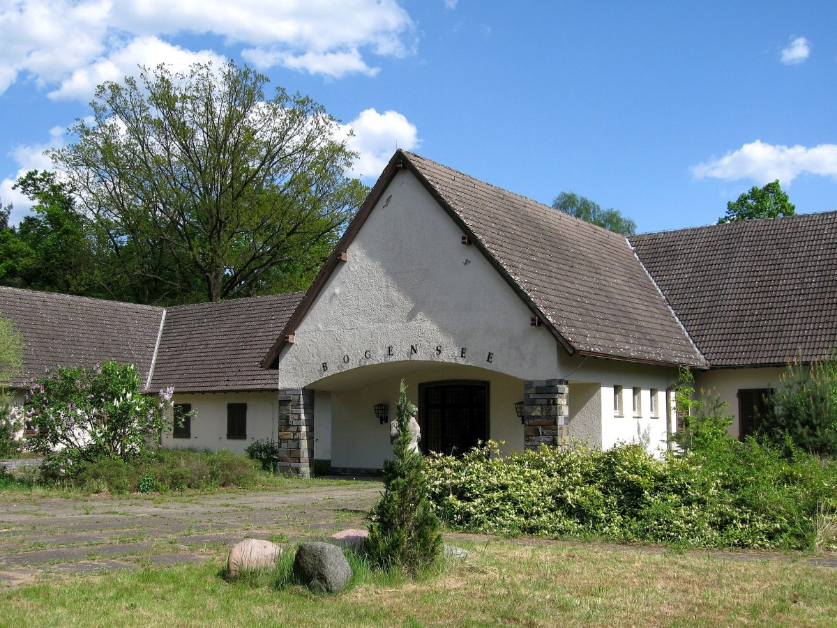 Bogensee: the Goebbels' home during the war years (pictured in 2008 condition)