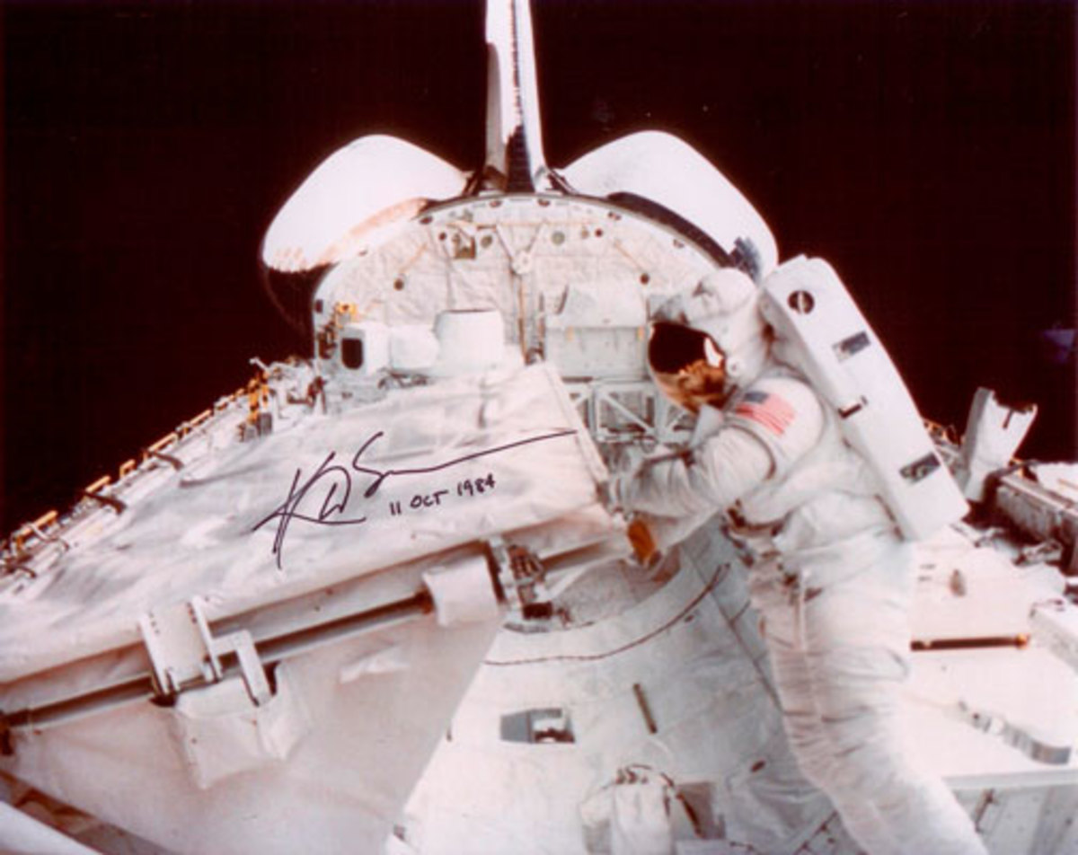 Kathryn Sullivan during her EVA on STS-41G.
