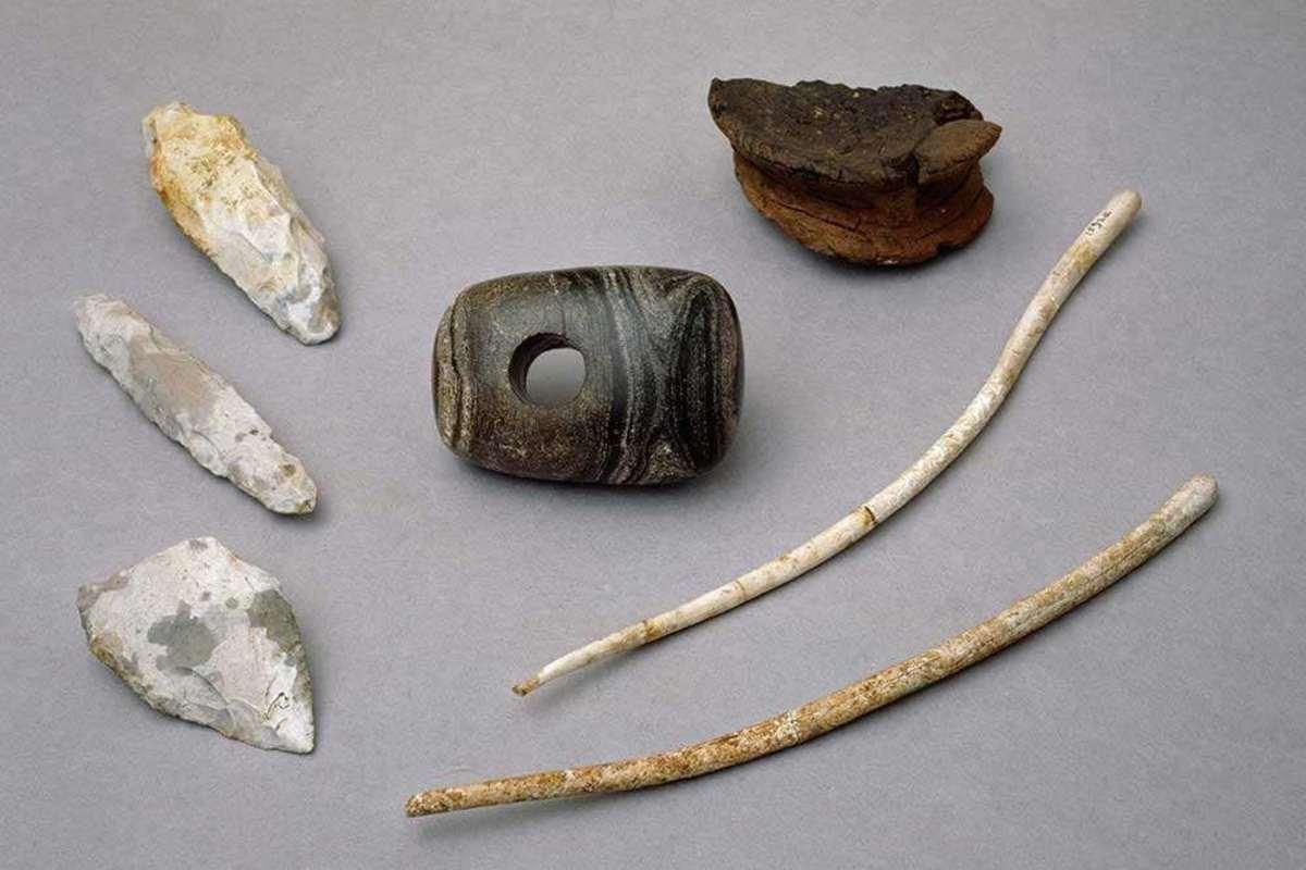 Aubrey Hole Artifacts