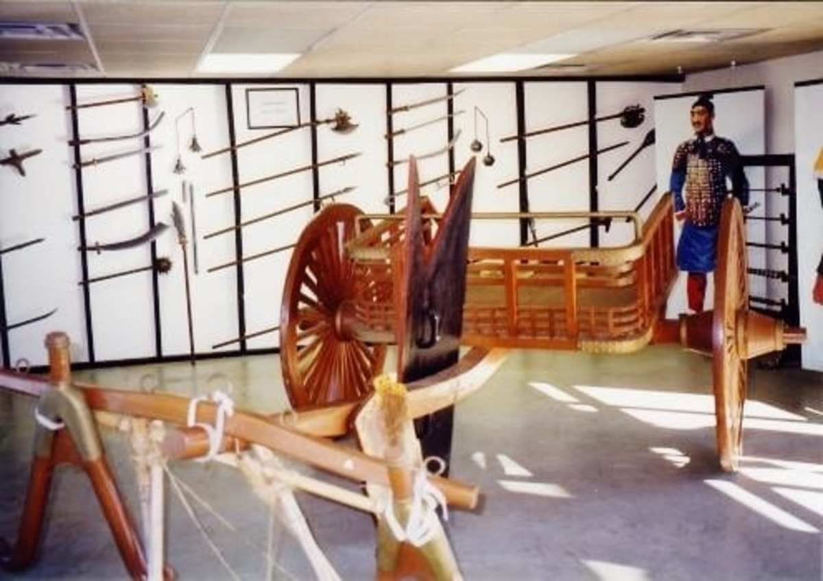 Replicas of weapons from the Qin Dynasty were housed in this room.
