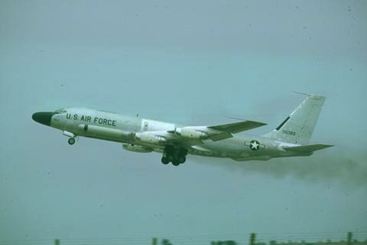 RC-135 Rivet Brass in flight