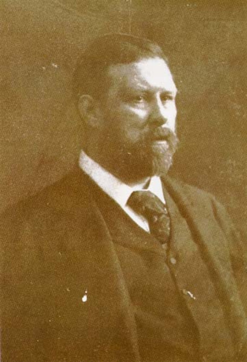Abraham 'Bram' Stoker: Author of Dracula.