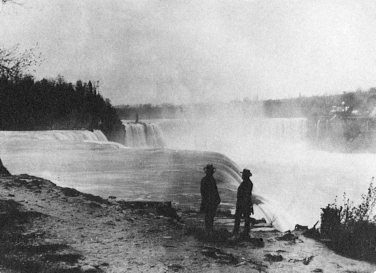 Photograph of Niagara Falls in the 1850s.