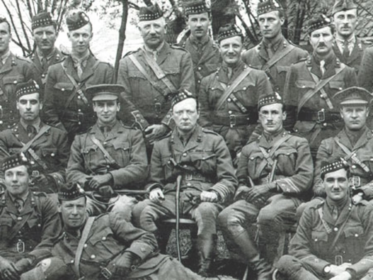 WW1: Churchill (center) with his Royal Scots Fusiliers at Ploegsteert. 1916.