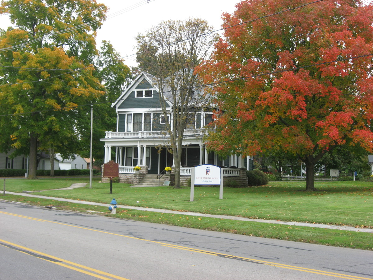 Warren G Harding's HouseLocated at 380 Mount Vernon Avenue, Marion, OH. From it, he conducted his successful front porch campaign for president in 1920. Built in 1891, it was Harding's home until he moved to White House in 1921. Now it is a National
