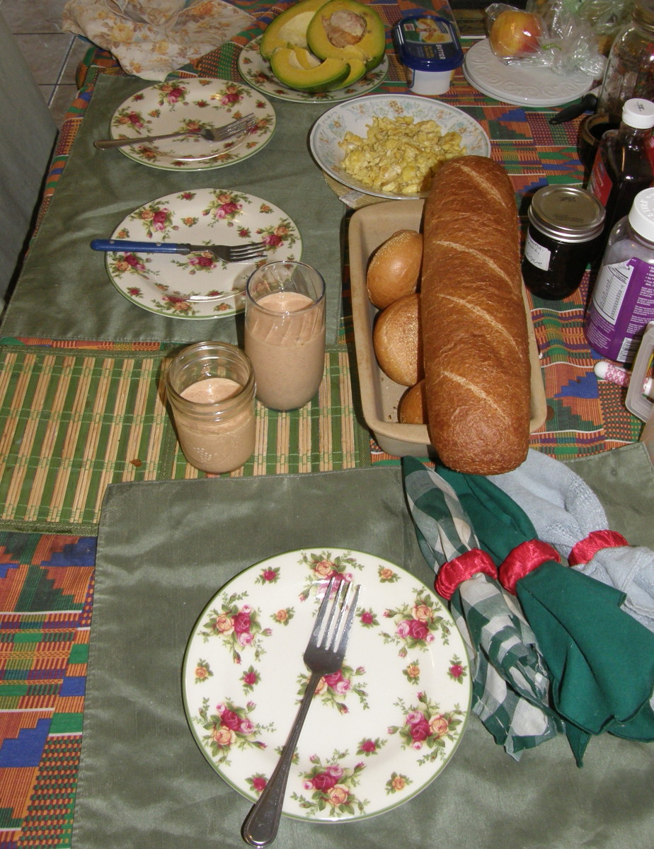 Scrambled eggs, fresh fruit smoothies, avocados and fresh bread.  We always start of the days with a fresh fruit smoothie