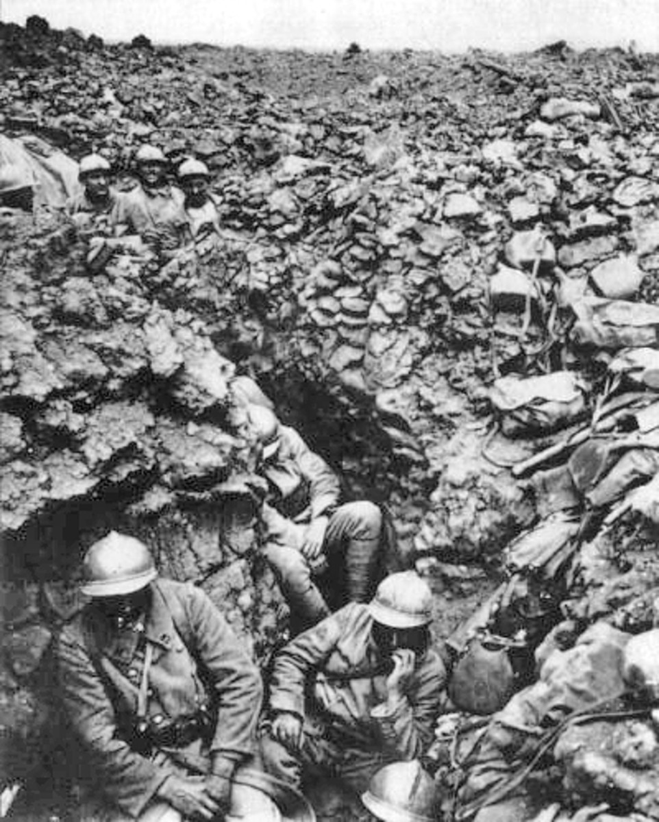 French troops in the trenches at Verdun 1916.