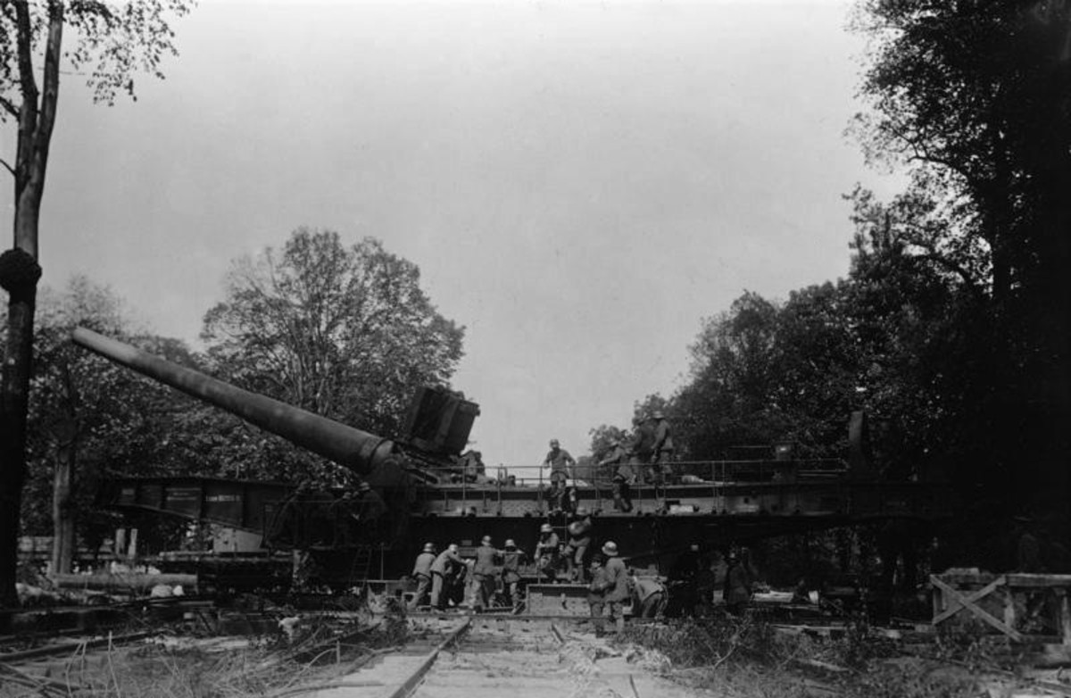 German railroad gun used to hammer French positions at Verdun.