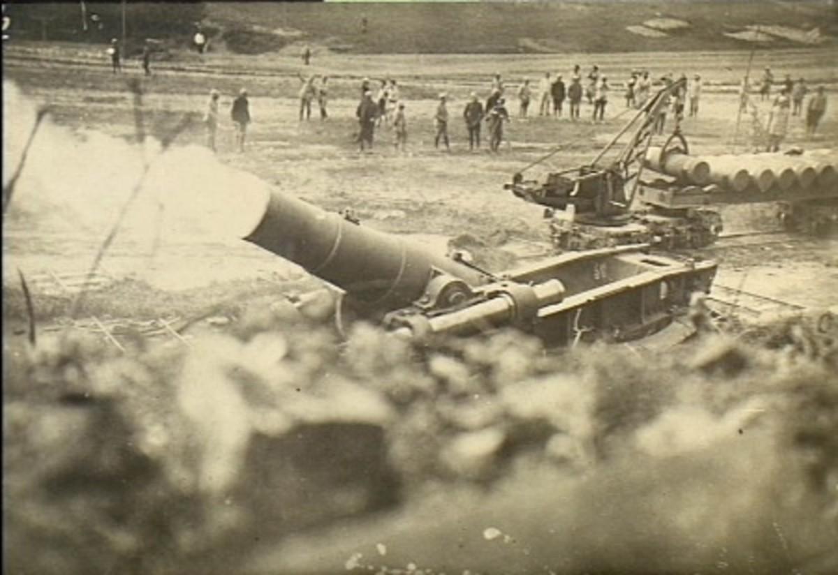 French heavy mortar at Verdun 1916.