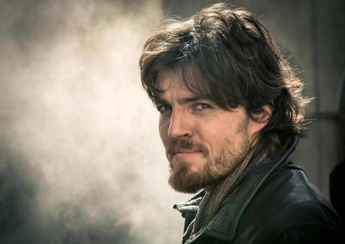 Tom Burke ( The Msuketeers) has been cast as Cormoran Strike.