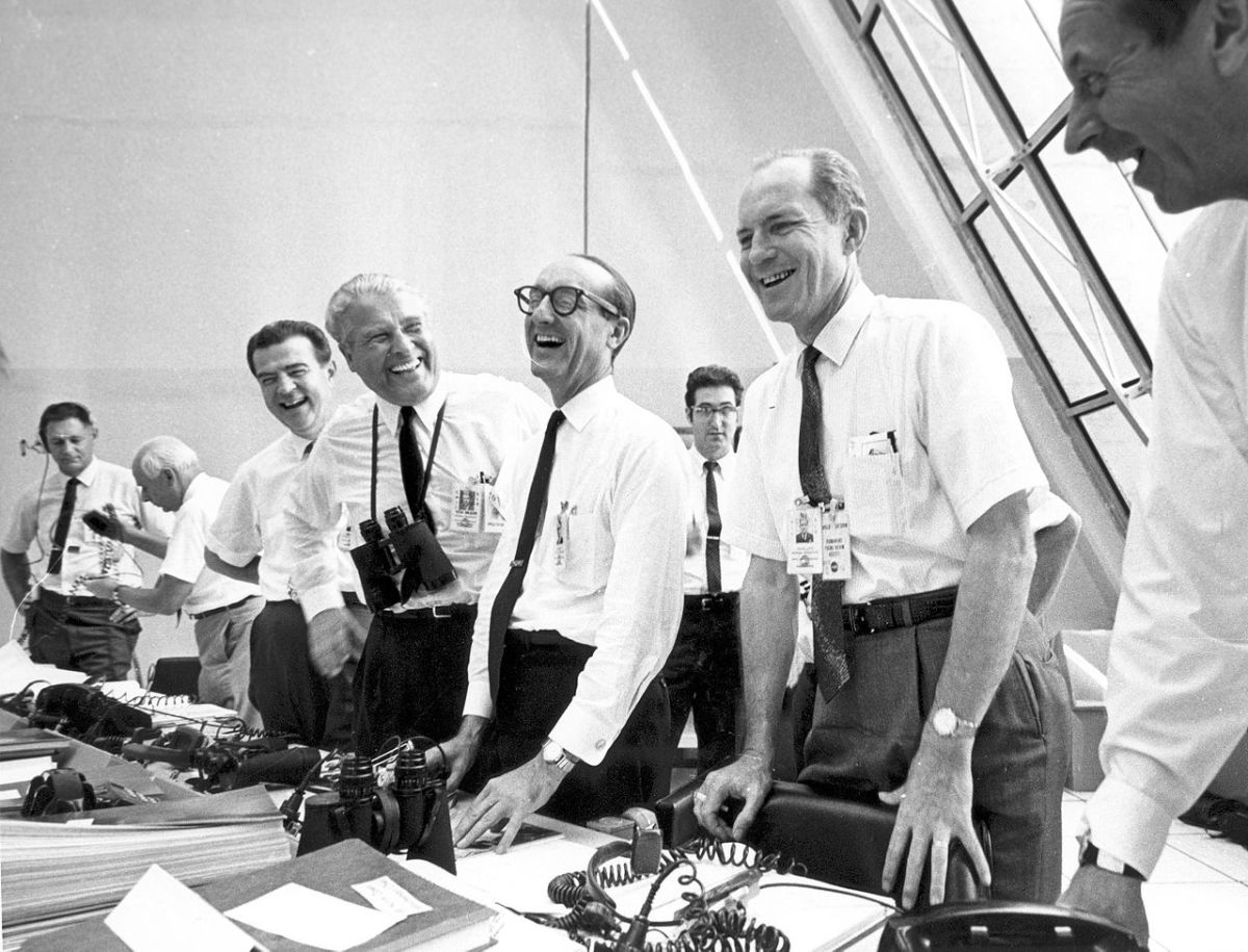 Von Braun celebrates with Apollo 11 mission officials after Apollo 11 liftoff July 16,1969